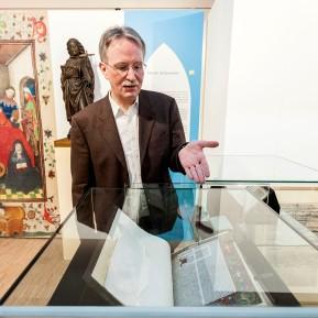 """LVR-Niederrheinmuseum Wesel, Foto: © 2018 k.enderlein FOTOGRAFIE, Sonderschau """"Wesel und die NiederRHEINlande"""", Museumsdirektor Dr. Veit Veltzke erklärt die Ausstellung"""