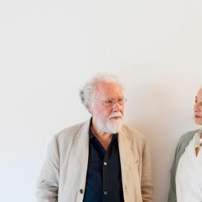 Stiftung Insel Hombroich, Remo Salvadori (links) im Siza Pavillon, © 2018 k.enderlein FOTOGRAFIE