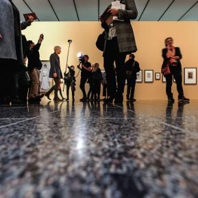 Edvard Munch im K20 - Pressekonferenz, Karl Ove Knausgård beim Rundgang in der Ausstellung © 2019 k.enderlein FOTOGRAFIE