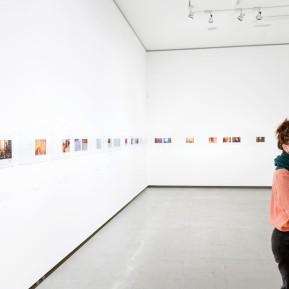 NRW-Forum Düsseldorf, Bieke Depoorter 2015-2019, Die Fotografin Bieke Depoorter (links) und der Kurator Joachim Naudts © 2019 k.enderlein FOTOGRAFIE